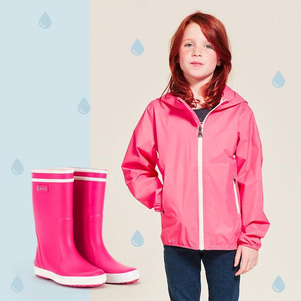 Eine Regenjacke + ein Paar Stiefel Für Kinder