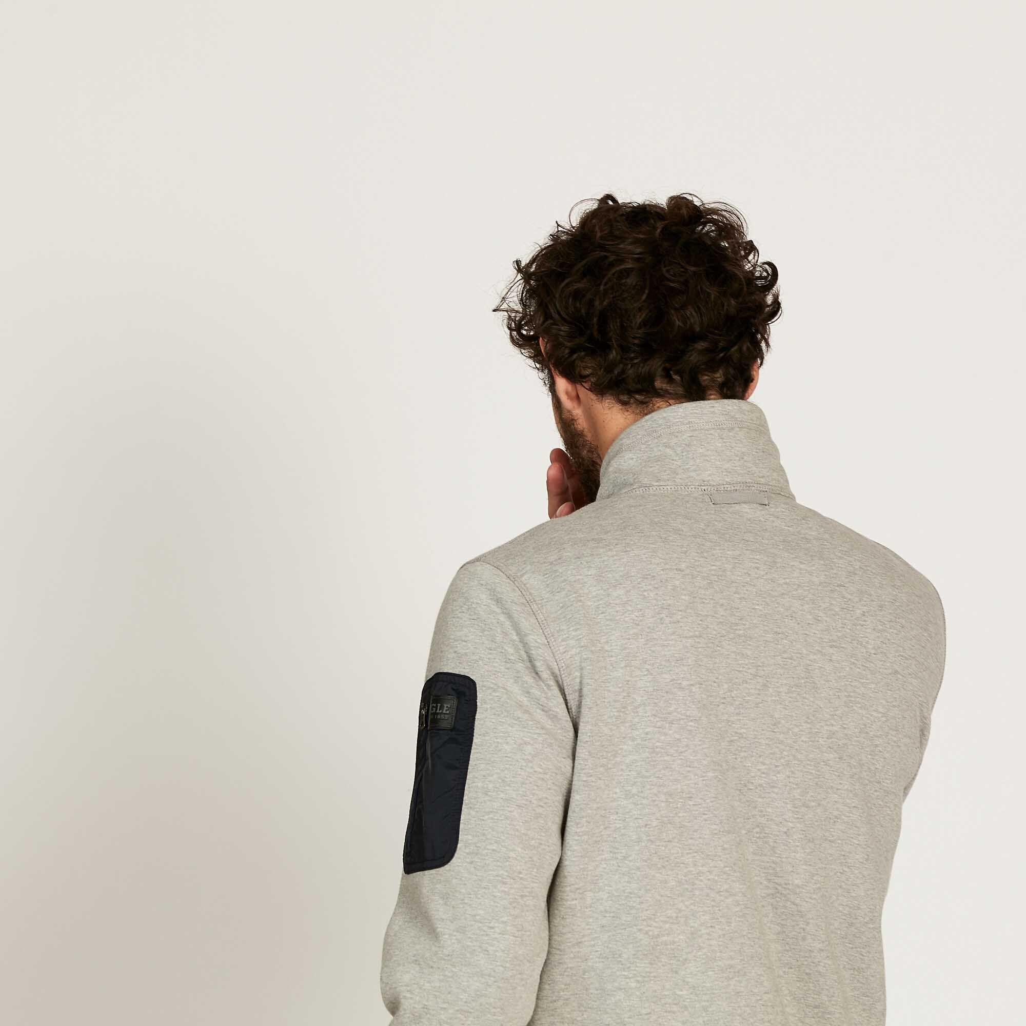 Veste polaire isolante et confortable
