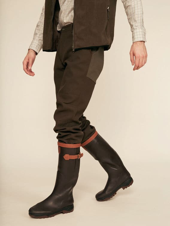 Waterproof and breathable trousers