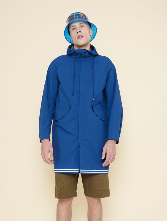 A combination of windproof, waterproof and lightweight features.