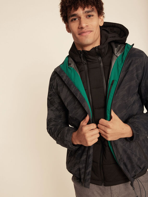 Highly insulating waterproof jacket