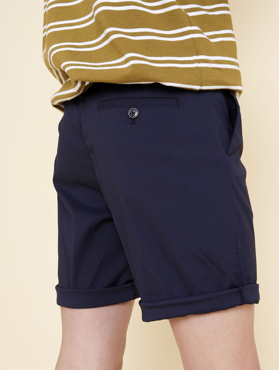 Technical stretch shorts