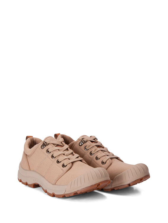 Women's canvas adventurer's shoes