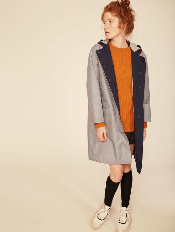 Lightweight waterproof jacket