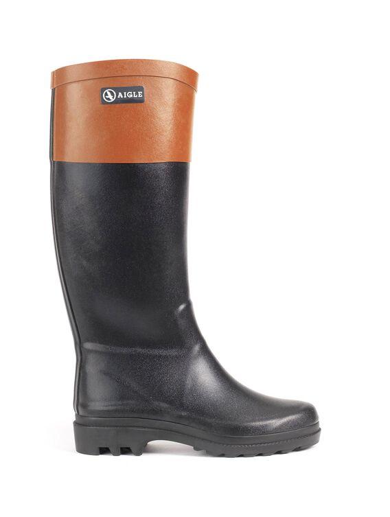 Women's grip-sole boots