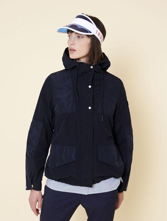 Lightweight water-repellent jacket