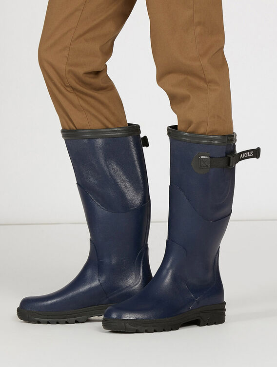 Women's walking boots
