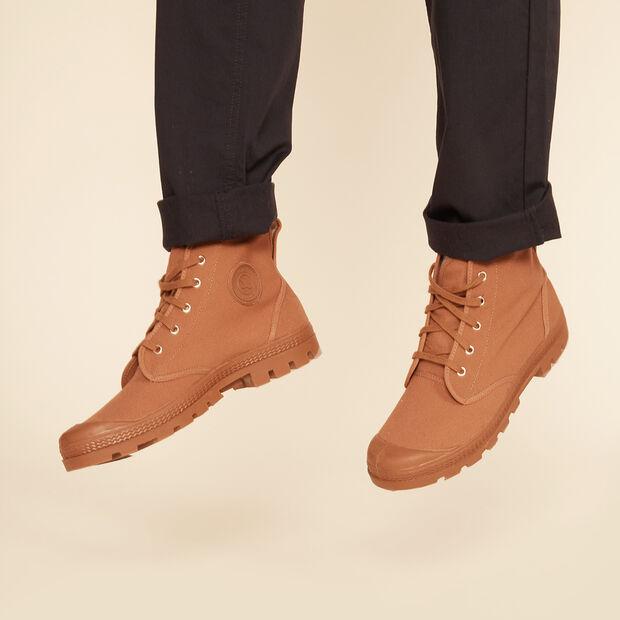 Chaussures de marche et loisirs homme
