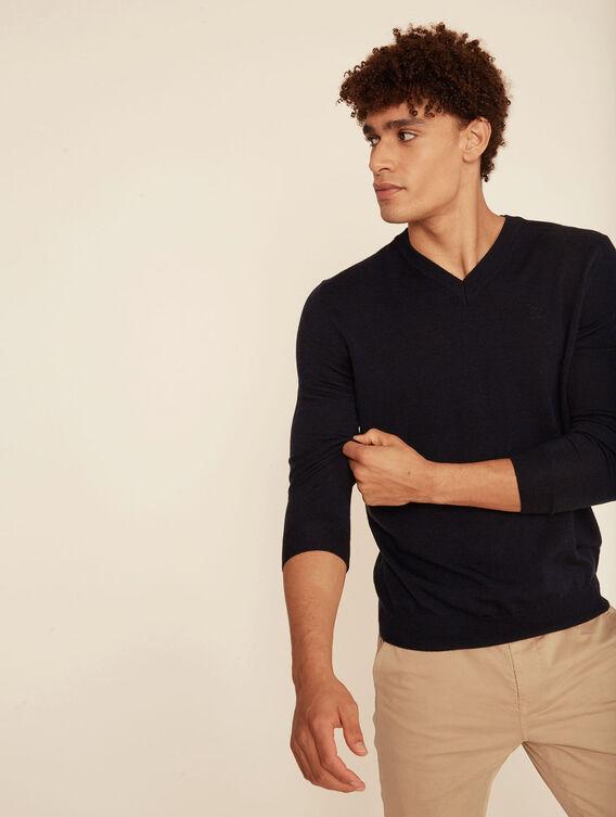 100% Merino V-neck jumper