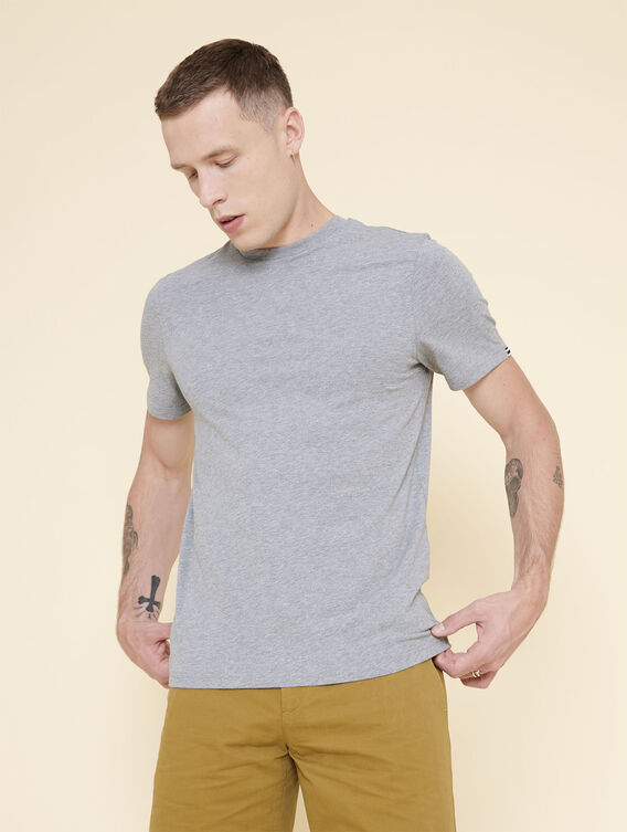 Einfaches, funktionales T-Shirt