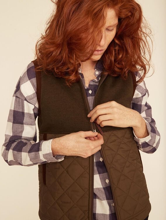 Mixed fabric fleece vest
