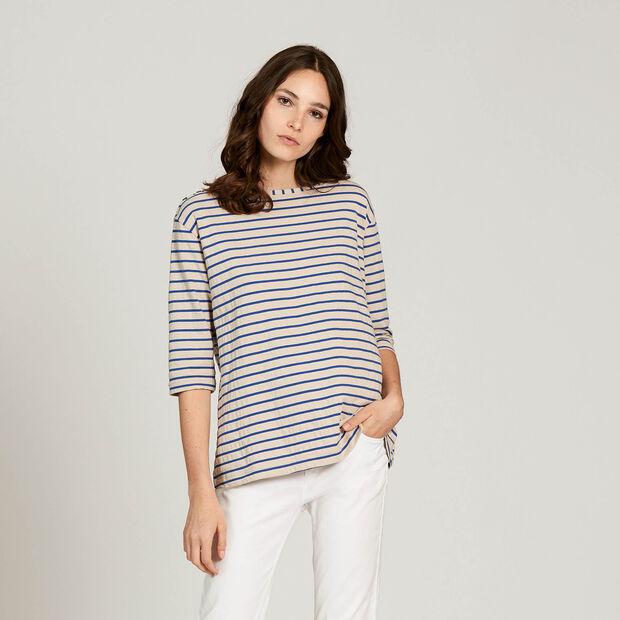 Long-sleeved T-shirt