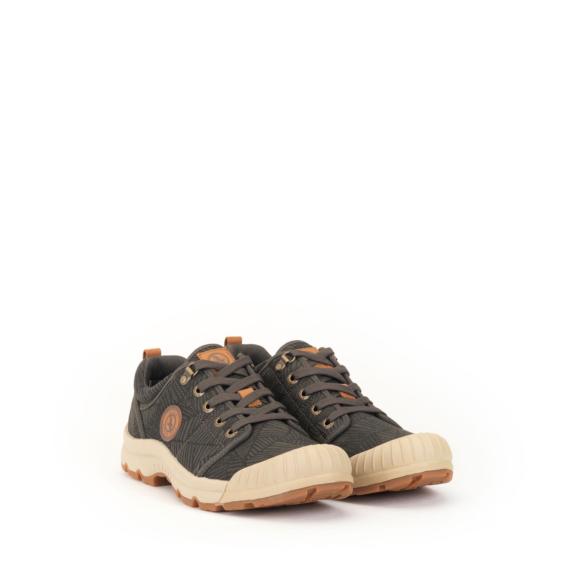 Chaussure légère en toile homme