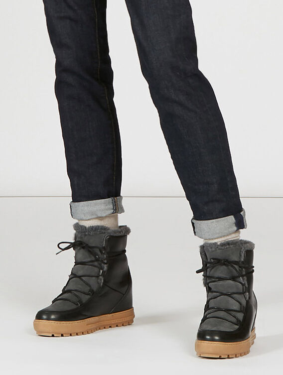 Women's snow-inspired ankle boots
